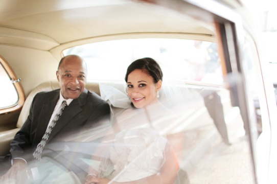 11-bride-dad-in-limo-antonia-christianson