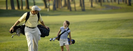 33_Father and daughter on golf course